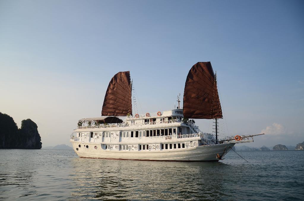 V Spirit Cruise 3 days 2 nights