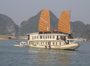 Halong Valentine Cruise 3 days 2 nights